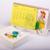 kalendārs un piezīmju bloks
